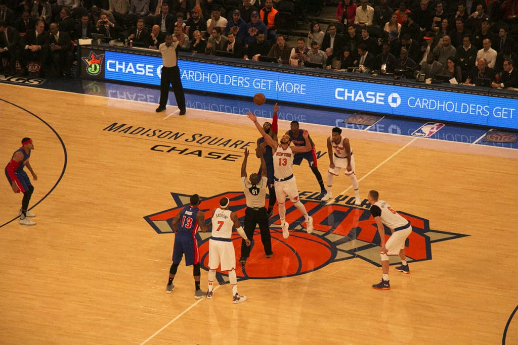 Début de match de basket à New York