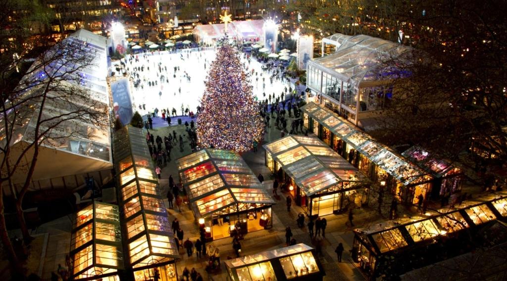 Vue d'en haut du marché de Noël à Bryant Park à New York