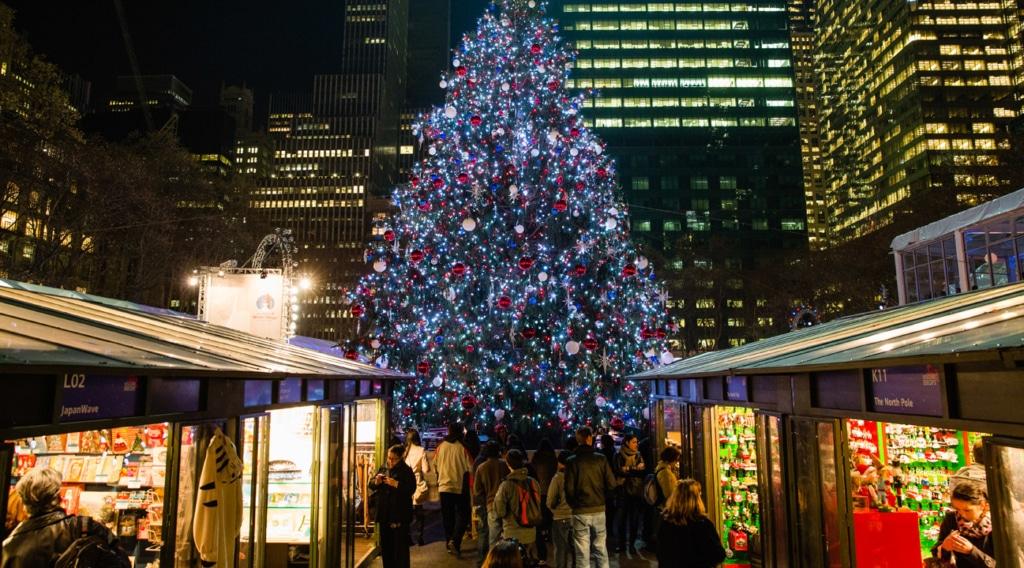 Chalets de marché de Noël à Bryant Park à New York