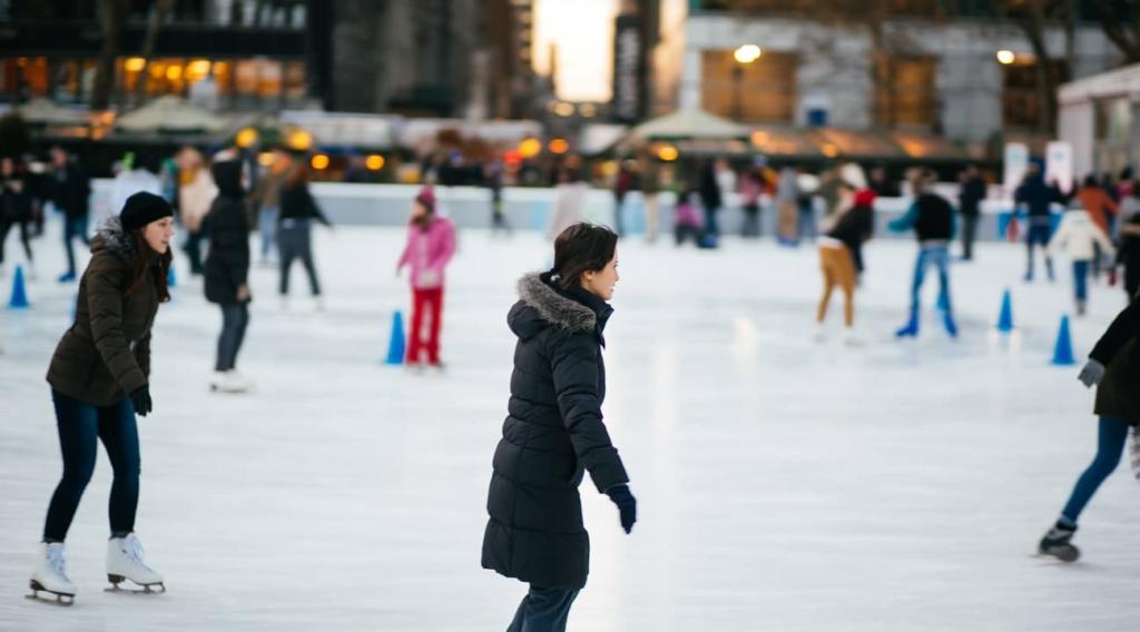 Personnes en train de patiner à Bryant Park à New York