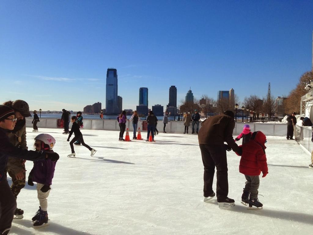 Patiner à la patinoire de Brookfield Place à New York