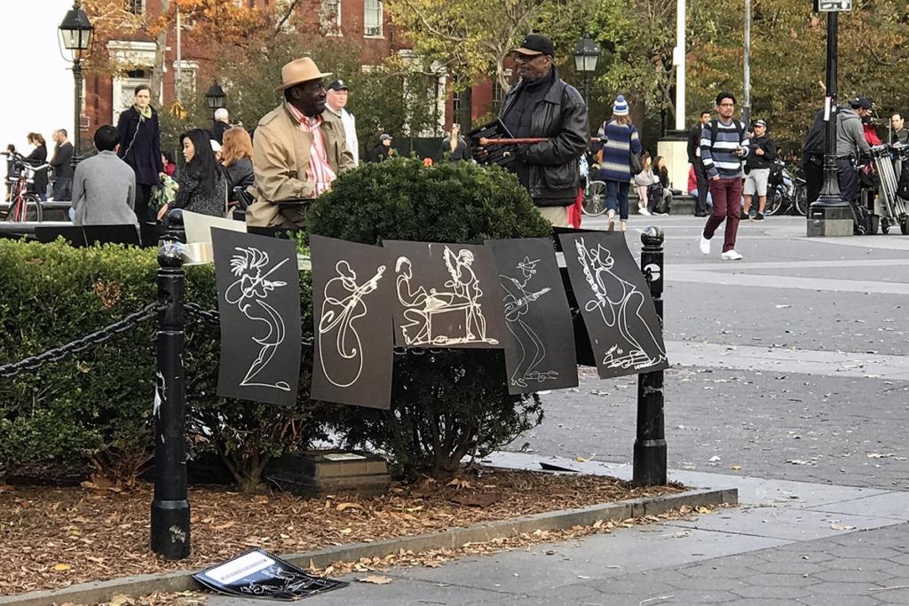 Des dessins d'artiste exposés dans Washington Square Park