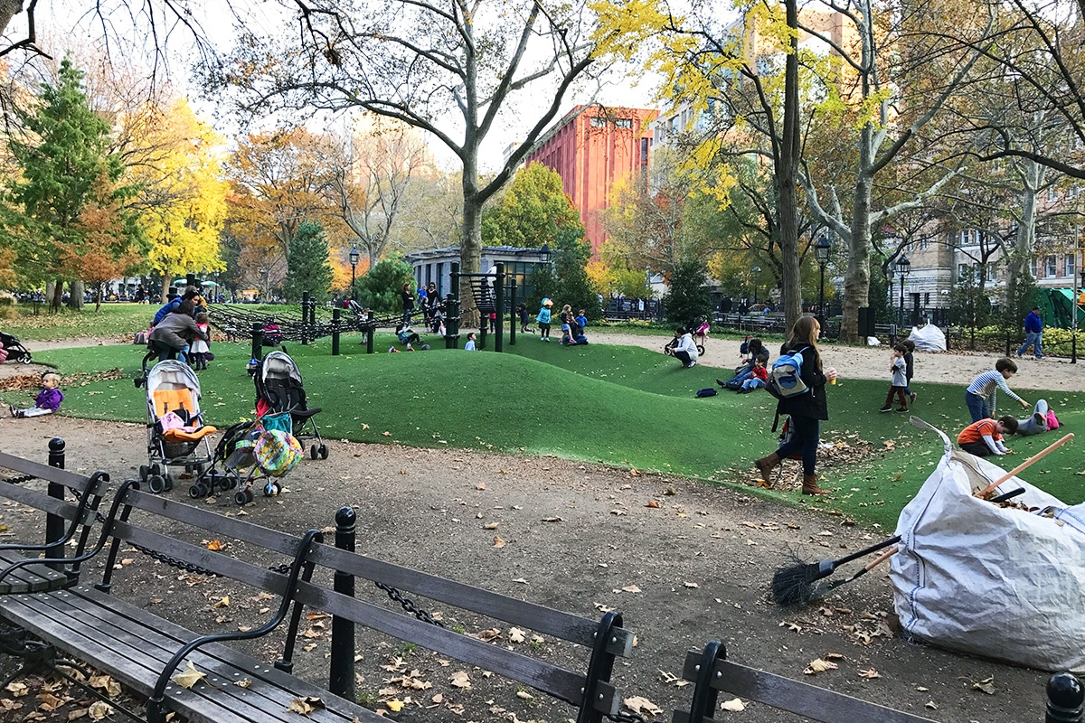 Parc de jeux pour enfants dans Washington Square Park