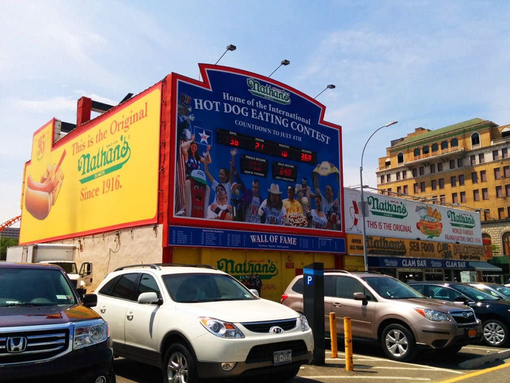 Nathan's hot dogs à Coney Island à New York