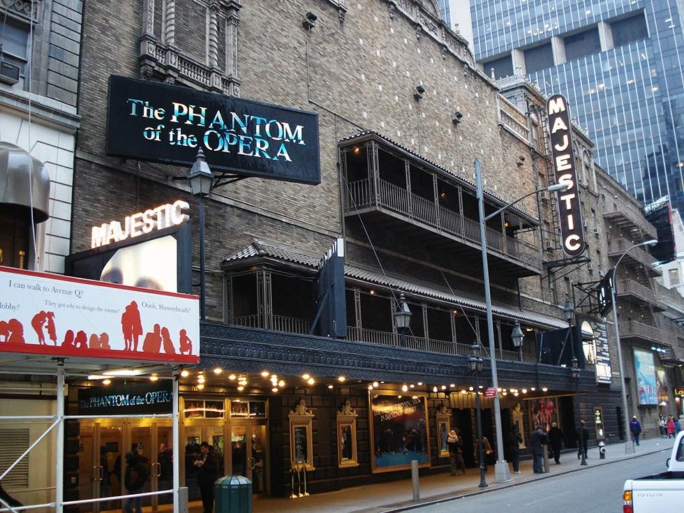 Le Fantôme de l'Opéra est joué au Majestic Theatre à New York