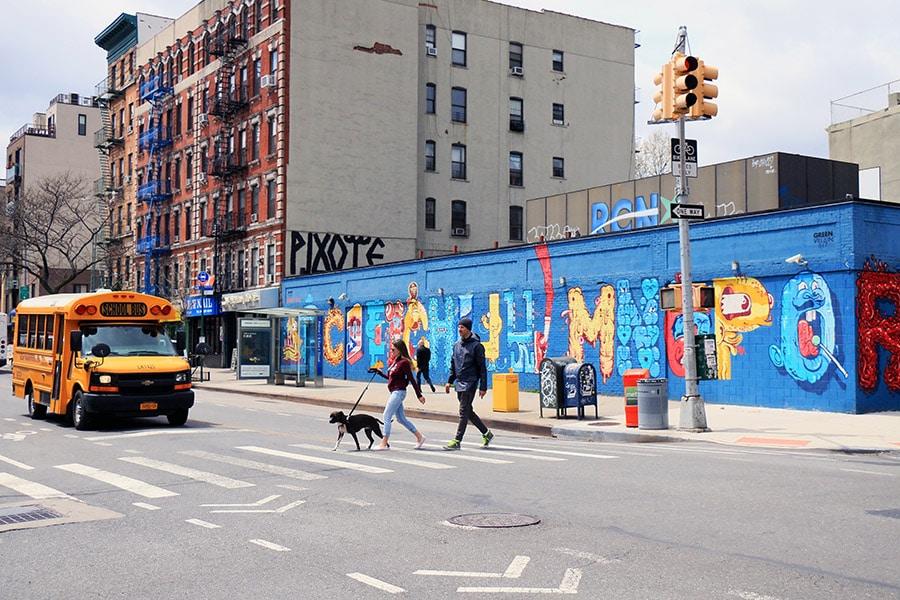 Fresque alphabet dans le East Village à New York