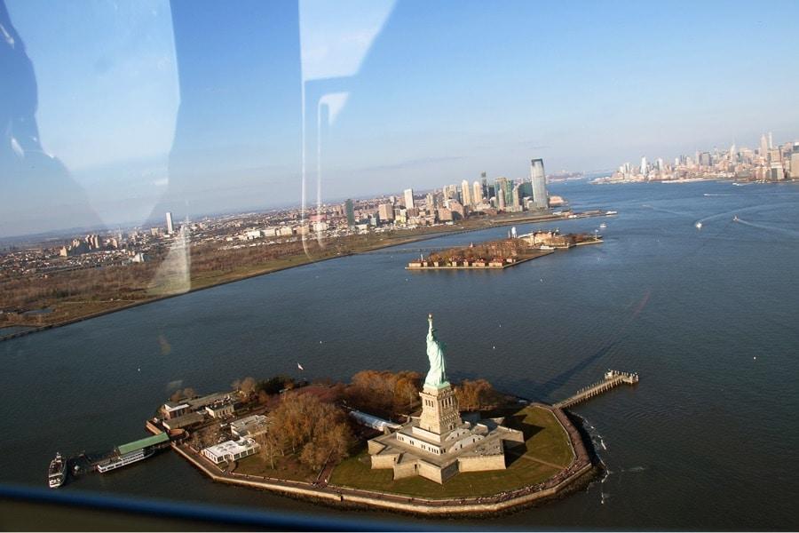 Vol en hélicoptère à New York - Statue de la Liberté