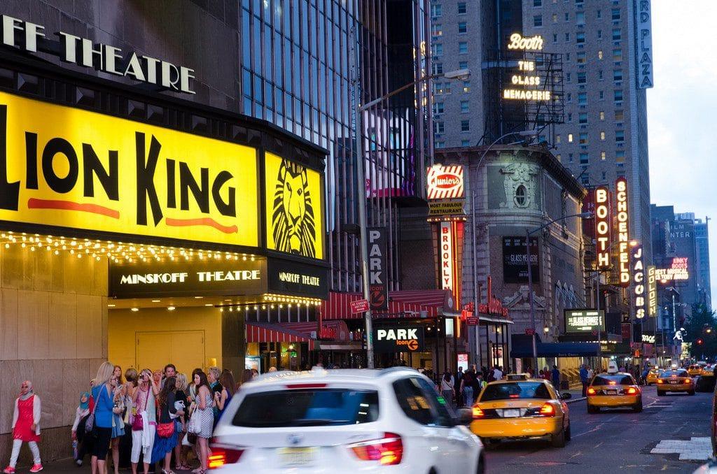 Minskoff Theatre est la salle de spectacle où est jouée la comédie musicale Le Roi Lion