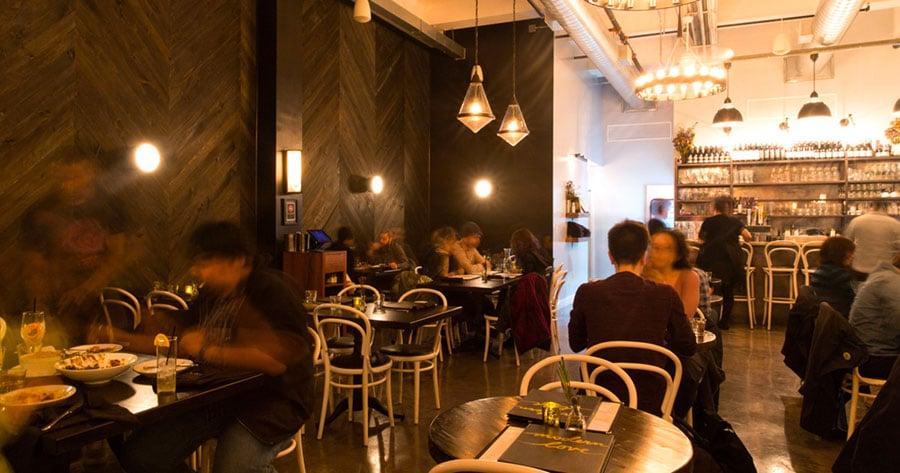 Intérieur du restaurant Modern Love à New York