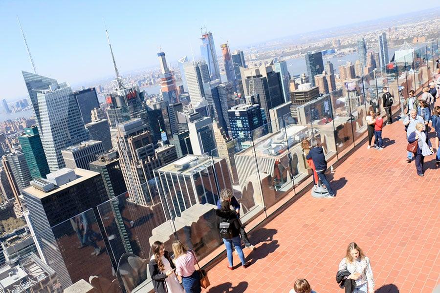 Vitres de la terrasse du 2ème étage du Top of the Rock à New York