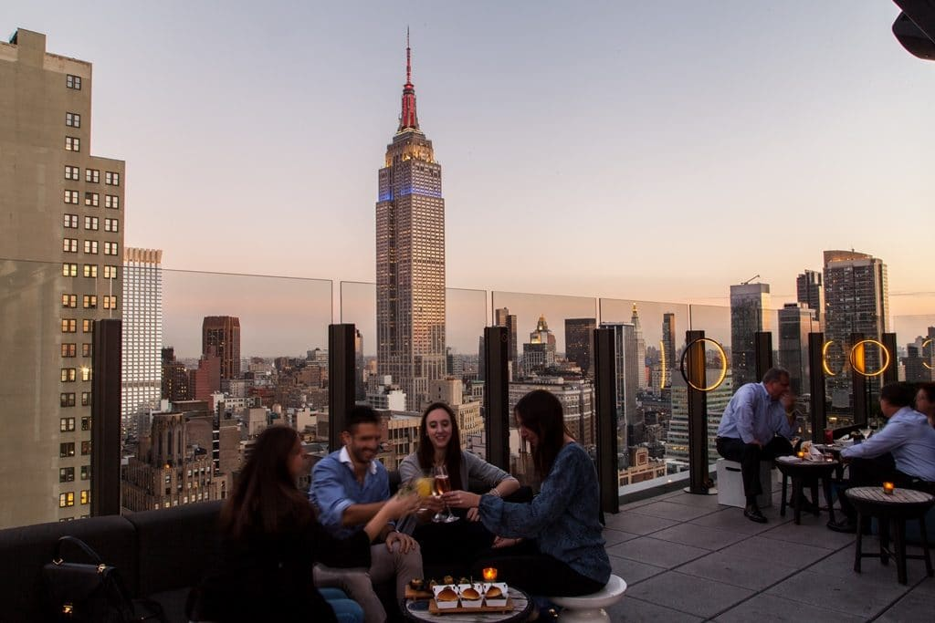 The Skylark  | Rooftop New York avec Vue sur l'Empire State Building