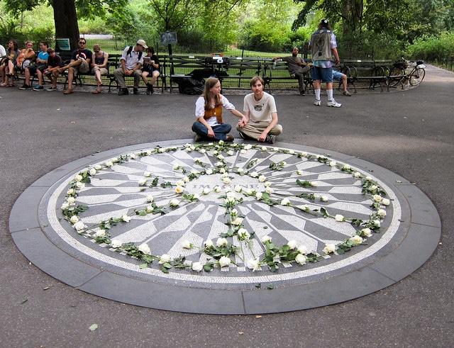 Strawberry Fields : hommage à John Lennon à Central Park
