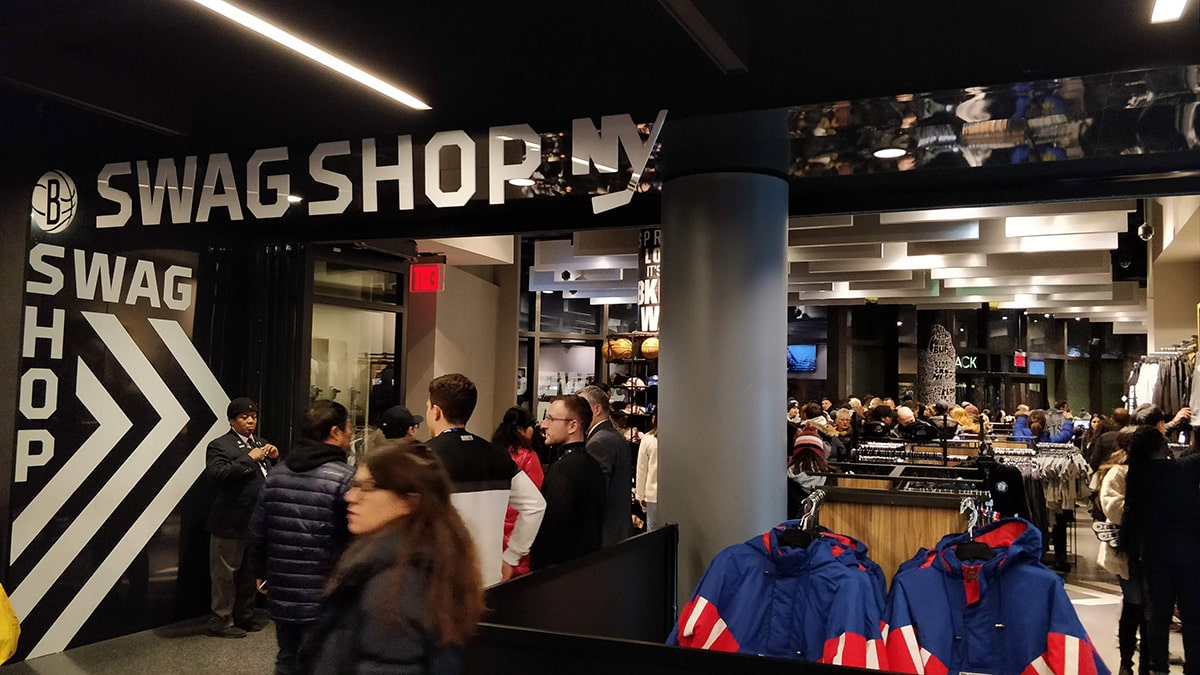 Swag Shop, la boutique des Nets de Brooklyn au Barclays Center