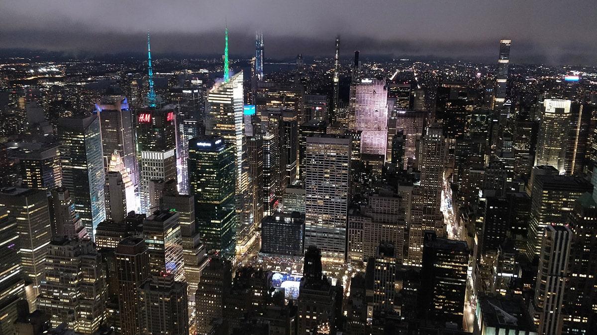 New York la nuit depuis le 86ème étage de l'Empire State Building | Décembre 2019