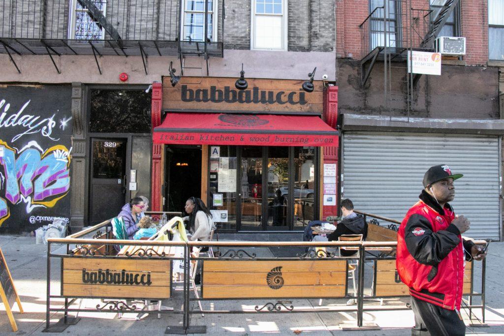 Restaurant italien Babbalucci situé dans le quartier de Harlem à New York qui propose des pizzas cuites au feu de bois.
