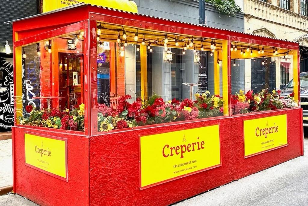 Crêperie NYC situé proche du Washington Square Park à New York est une entreprise familiale qui propose des crêpes typiquement françaises.