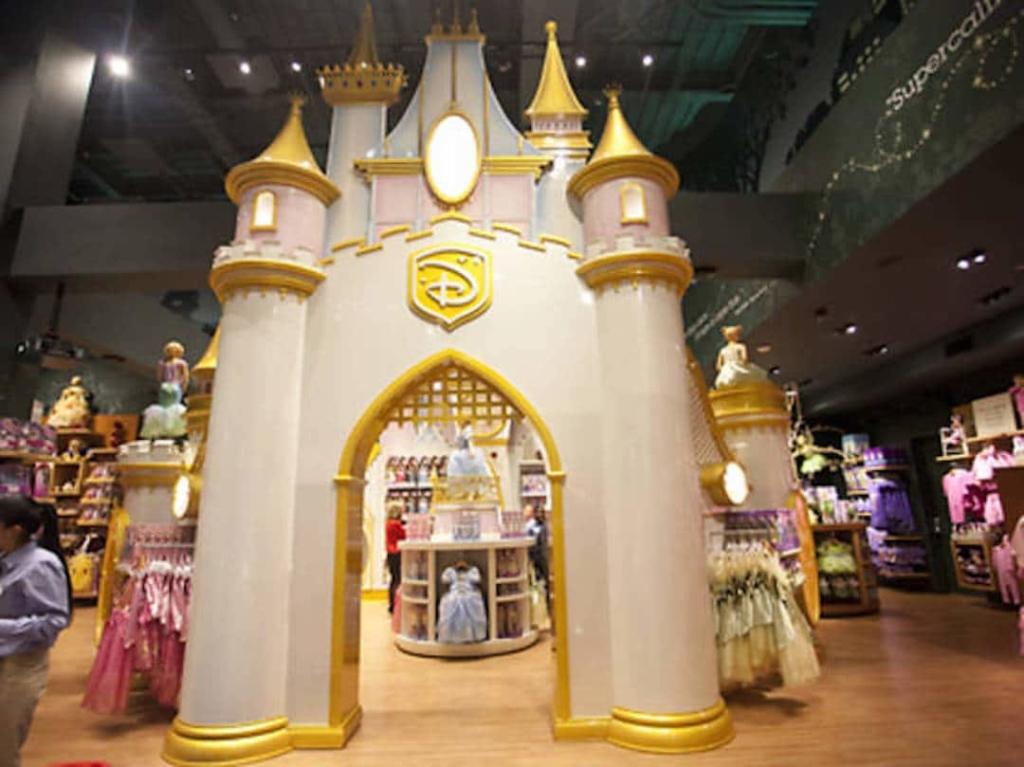 Le château de princesse situé à l'intérieur du Disney Store à New York.