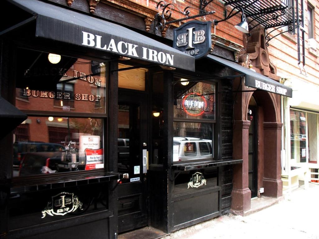 Restaurant de burger le Black Iron Burger à New York
