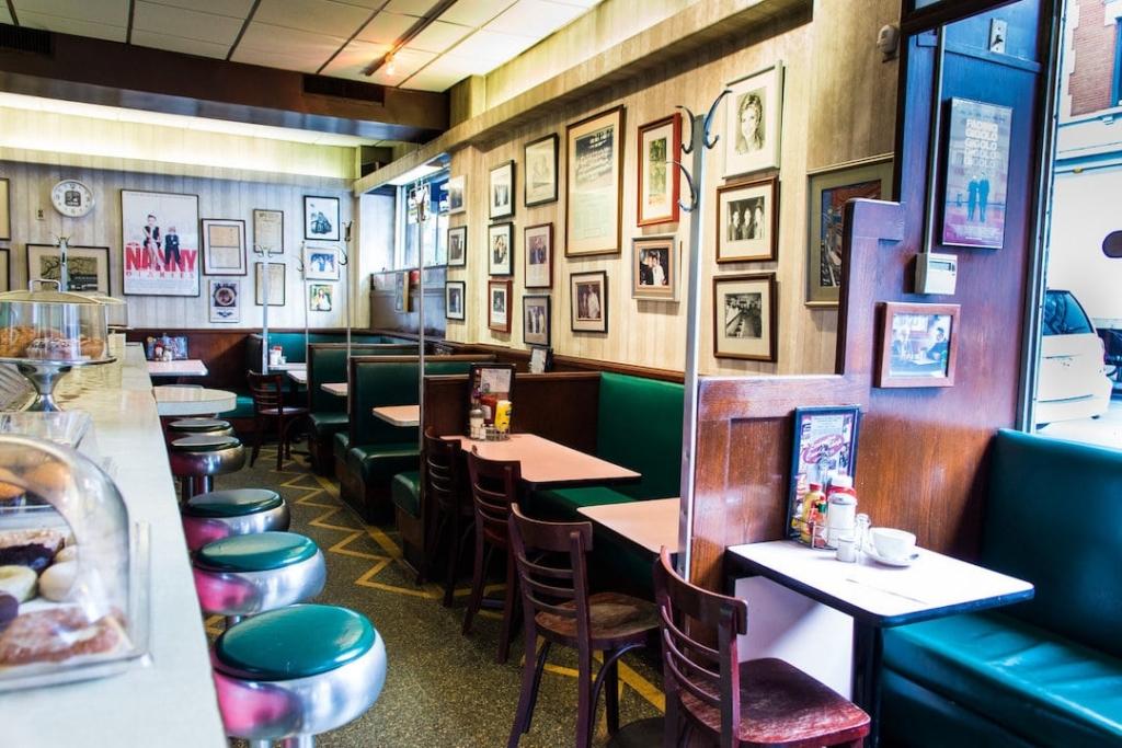 Intérieur d'un restaurant type diner américain