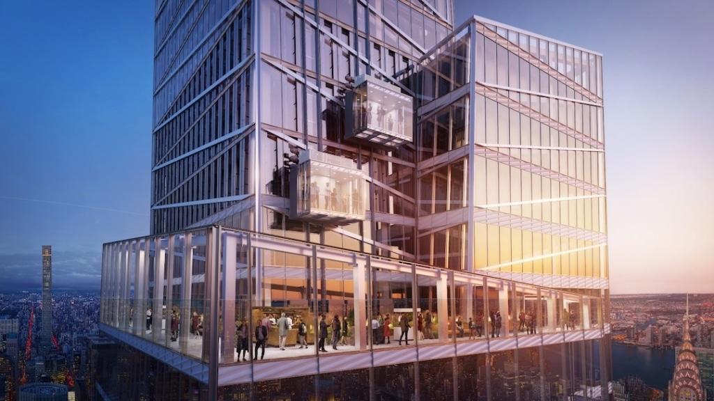 Extérieur du Summit One Vanderbilt avec les ascenseurs en verre sur le côté à New York