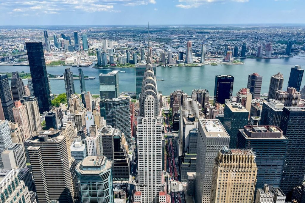 Vue sur le Chrysler Building depuis le One Vanderbilt Summit